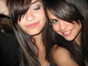selena-demi-best-friends-forever.jpg